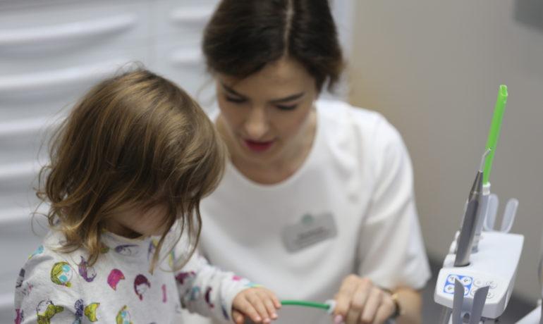Малыш и стоматолог: самая важная первая встреча